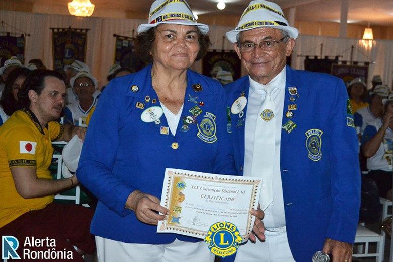 Josias Ferreira (com na esposa Hilda )  foi muito elogiado pelo  sucesso e boa organização da convenção. O chapeuzinho é  sua marca e durante o evento ele distribuiu iguais que  todos  usaram o tempo todo.