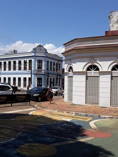 O Beco, Clube (INSS) e Mercado Público — Delicadeza de uma arquitetura em processo de descaracterização.