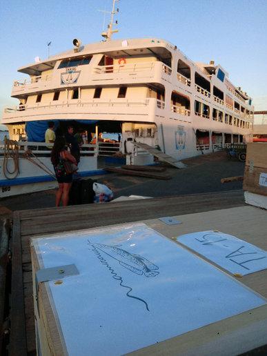 Urnas arqueológicas viajaram de barco por rios da Amazônia - crédito Anne Rapp Py-Daniel