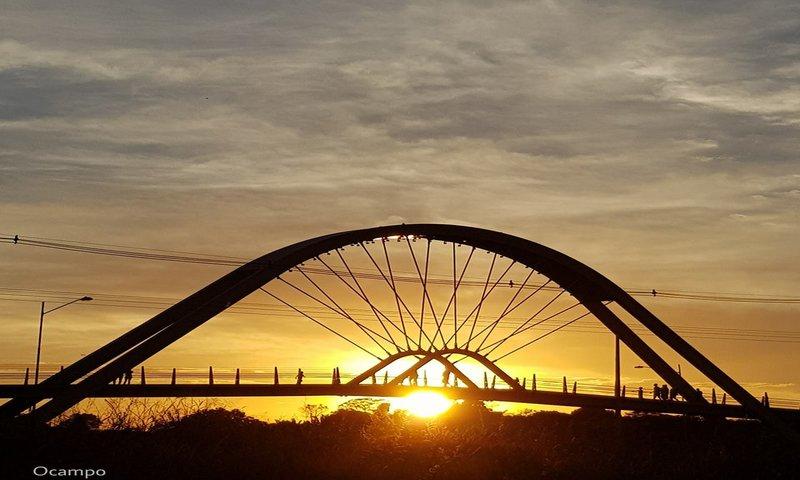OCAMPO: Pôr do Sol no Espaço Alternativo. Porto Velho - Rondônia.