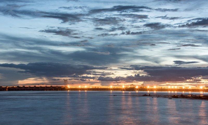 Pôr do sol no Rio Madeira em frente a usina de Santo Antônia - Foto SAE