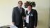 Labiway Esaga do Povo Paiter Almir Narayamoga Surui entrega denúncia a James Anaya relator na ONU