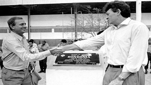 Dílson Machado com o então governador Oswaldo Piana