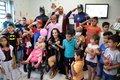 Crianças do setor de oncologia do Hospital de Base, em Porto Velho, recebem a visita de heróis da Marvel e DC