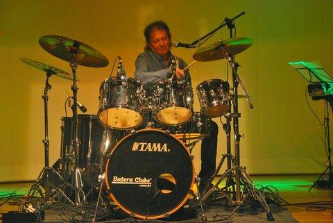 Erivaldo Almeida apresenta no Zé Beer Dispare seu mais novo trabalho em CD