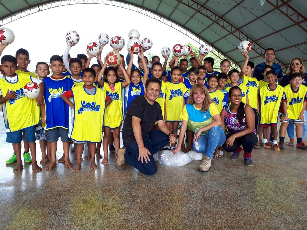 Atletas mirins do 'Talentos do Futuro', da Prefeitura, são avaliados por técnicos do Flamengo - Gente de Opinião