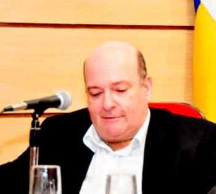 REVOLUÇÕES BRASILEIRAS  - Por Vinício Martinez