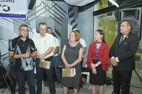 Escritora lança livro que conta a história dos bairros de Porto Velho