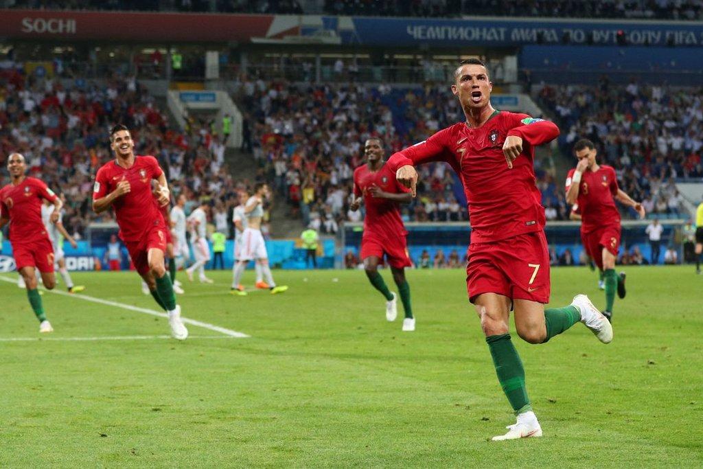 Agência Brasil na Copa 2018: Portugal e Espanha - Cristiano Ronaldo de Portugal faz seu terceiro gol. /Hannah McKay/Reuters/Direitos Reservados - Gente de Opinião