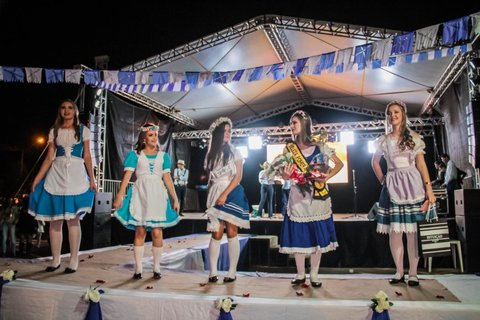 Descendentes europeus realizam 8ª Festa da Cultura Pomerana - Por Zekatraca