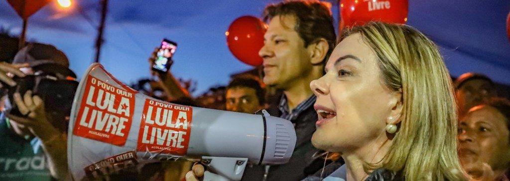 Gleisi e Haddad visitam Lula e avisam: dia 15 de agosto ele será registrado - Gente de Opinião