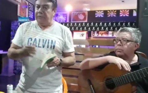 """O Samuel Castiel recitando sua poesia """"Noturno"""" (VÍDEO)"""