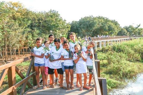 Parque Ecológico Municipal recebe plantio de Ipê e Flamboyant