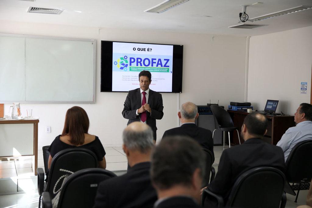 O conselheiro Benedito Alves, coordenador geral do Profaz, falou do objetivo do programa de permitir aos municípios aproveitar seu potencial tributário-arrecadatório - Gente de Opinião