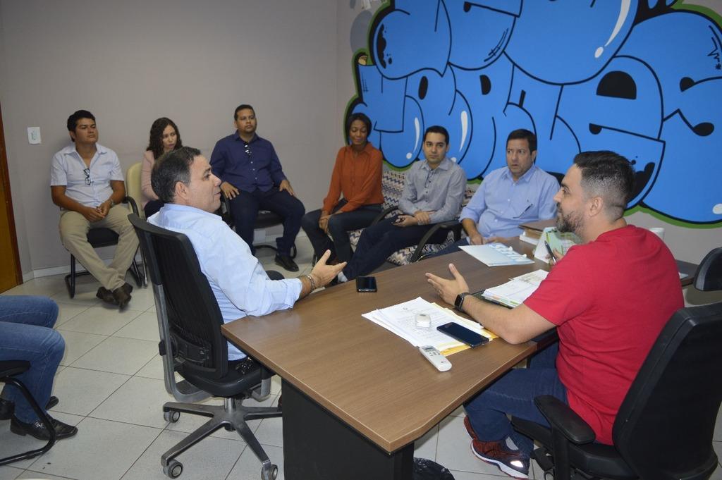 Léo Moraes se reúne com aprovados do concurso da SEFIN - Gente de Opinião