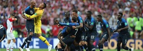 França bate Croácia por 4 x 2 e é bicampeã mundial