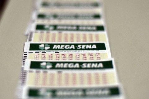 Mega-Sena acumula e próximo prêmio deve pagar R$ 62 milhões