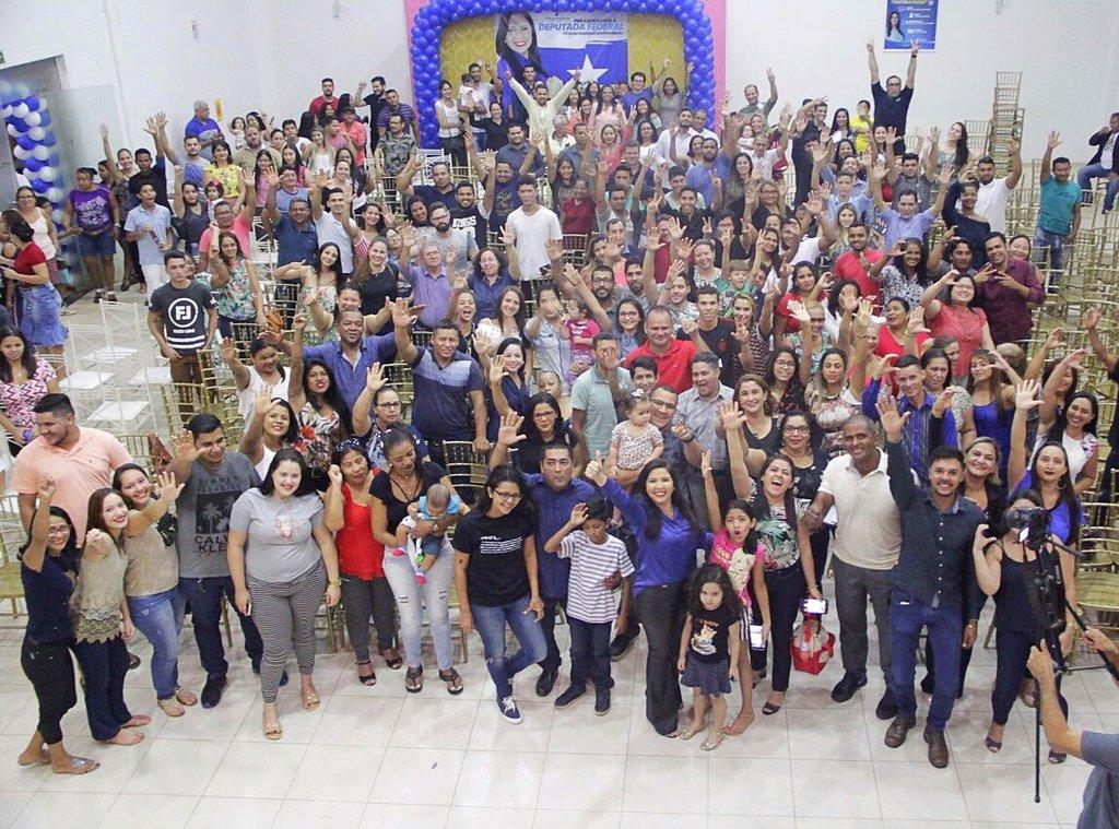 Pré-candidatura de Cristiane Lopes à Câmara Federal reúne centenas de pessoas - Gente de Opinião