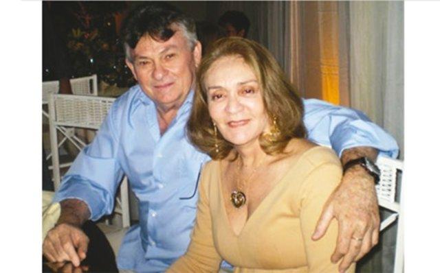 A Professora Hélia Piana, aniversaria neste 1 agosto. Aqui, com o marido, ex-governador Osvaldo Piana. - Gente de Opinião