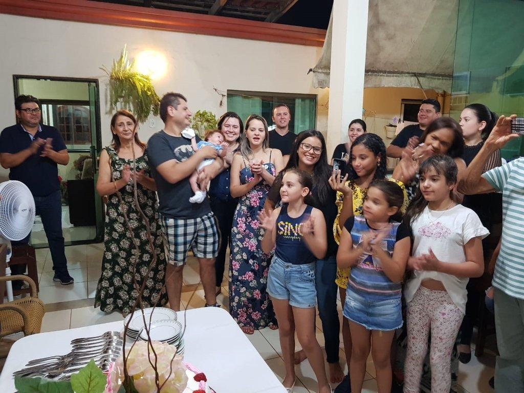 Nesta foto alguns netos, bisnetos e convidados - Gente de Opinião