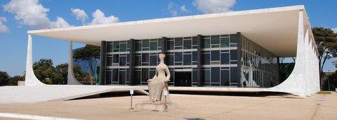 Ação popular pede que Justiça barre aumento de salários de ministros do STF