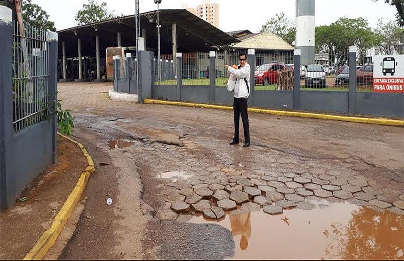 Portão com defeito atrasa o desembarque  na rodoviária da Capital