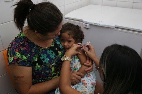 Semusa disponibiliza 25 pontos de vacinação contra sarampo e pólio neste sábado