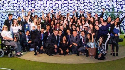 Mariana Carvalho recebe universitários na Câmara dos Deputados