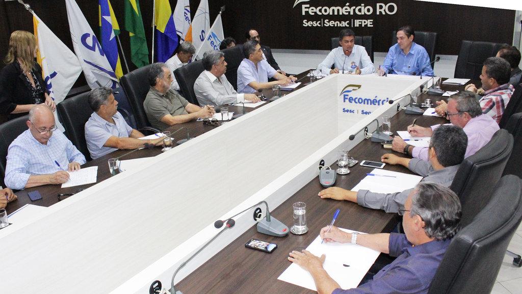 Fecomércio-RO entrega pauta sobre desenvolvimento do comércio e turismo ao candidato Expedito Júnior - Gente de Opinião