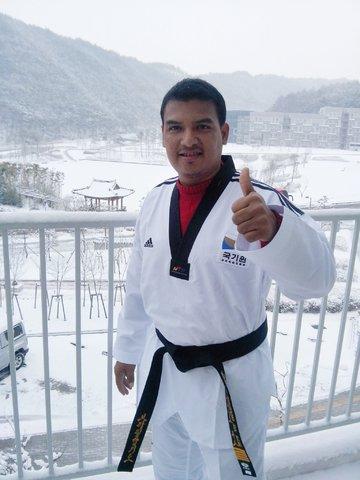 Mestre Oliveira na Coréia do Sul. - Gente de Opinião