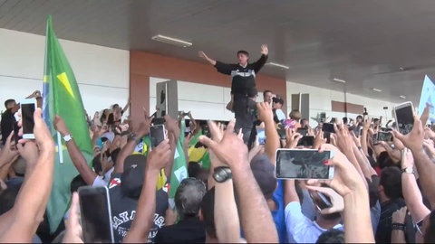 A MARÉ BOLSONARO - Por Silvio Persivo