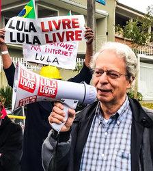 Frei Betto participa das passeatas pela libertação de Lula. - Gente de Opinião