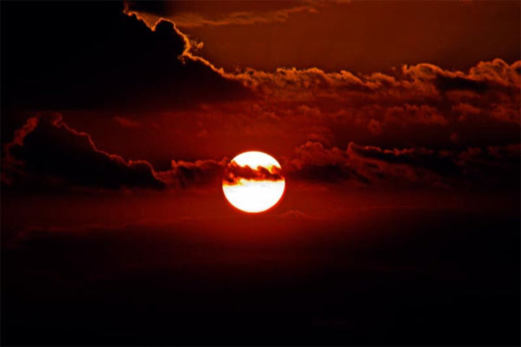 Porto Velho.... O Por do Sol sob rio Madeira. (Fonte: Ivo Feitosa - Fotografia: Murilo Valente). - Gente de Opinião