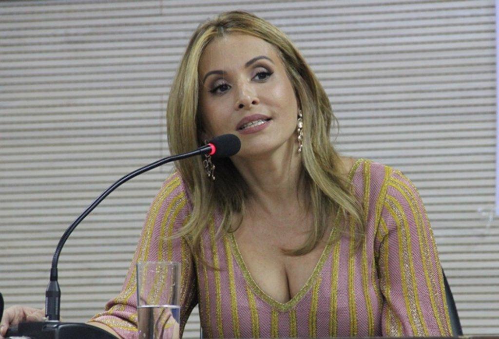 Juíza Ana Valéria Zipparro - Gente de Opinião
