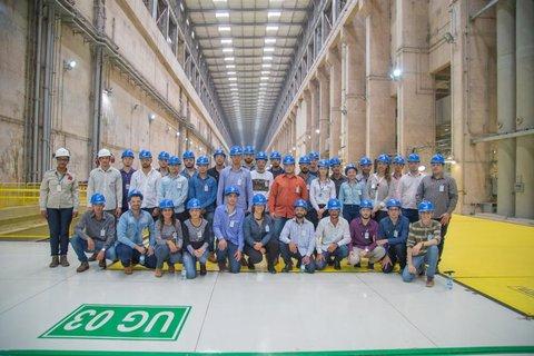 Estudantes de engenharia visitam UHE Jirau