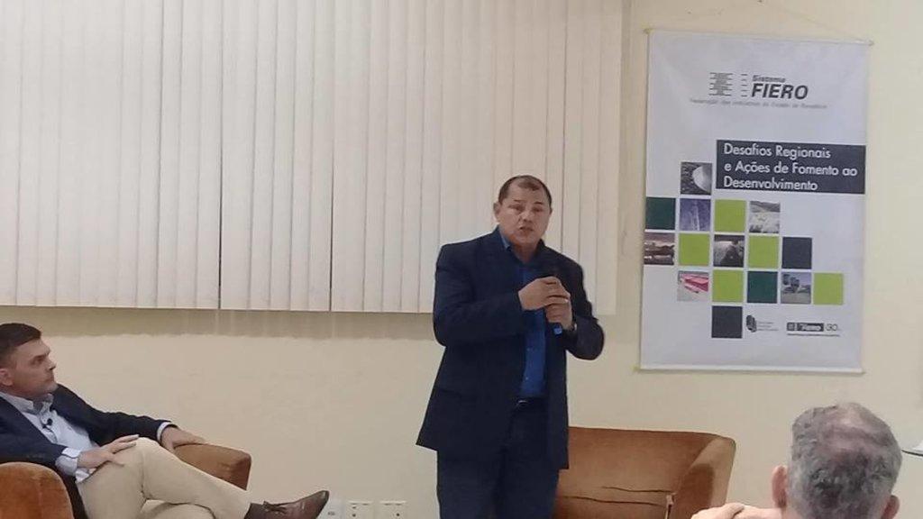 Pedro Nazareno do PSTU participa de debate na Fiero - Gente de Opinião