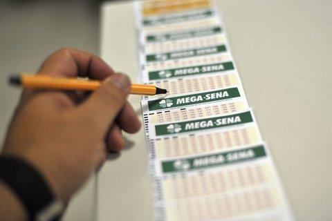 Nenhuma aposta acerta a Mega-Sena e prêmio acumula em R$ 19 milhões