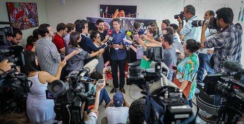 CNBB recebe Haddad e se posiciona em defesa da democracia - Por Luciana Oliveira