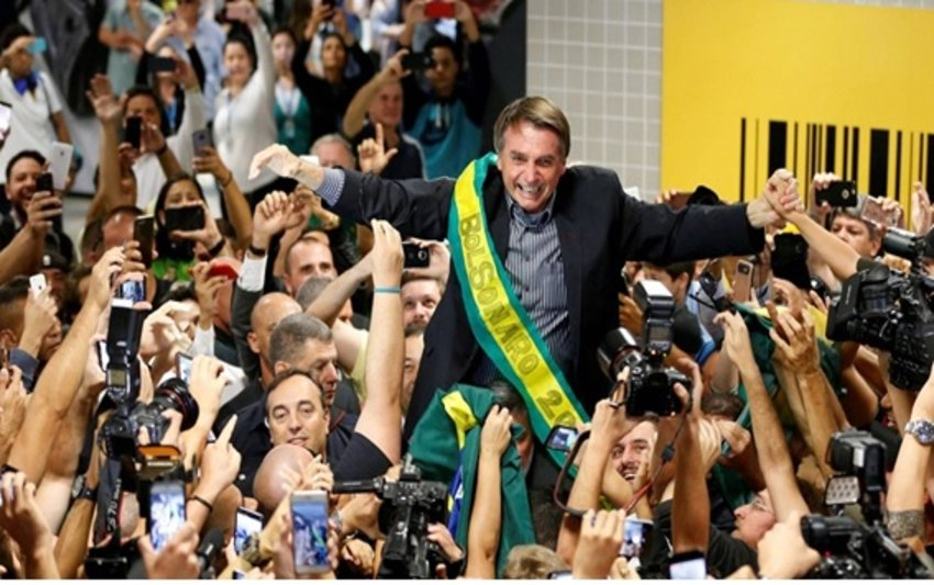 O MITO BOLSONARO - Por William Haverly Martins