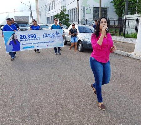 Cristiane Lopes volta às ruas para agradecer eleitores