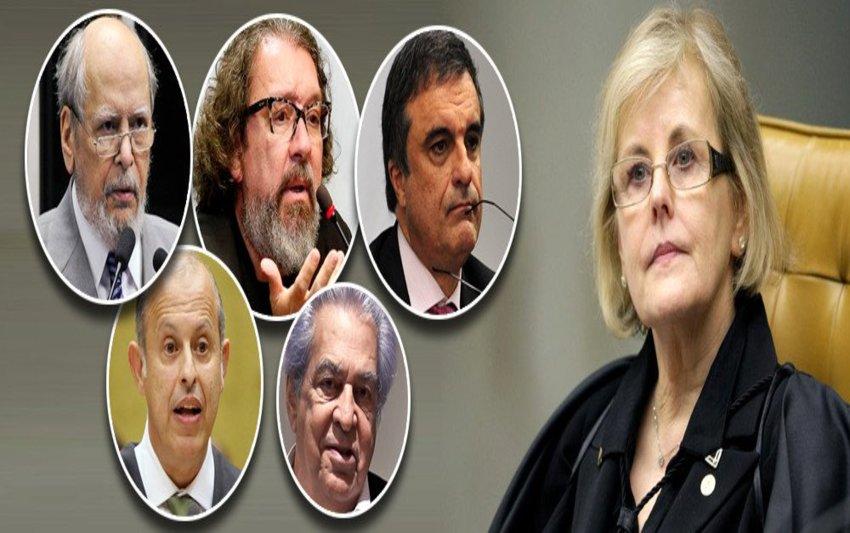 Juristas pedem impugnação de Bolsonaro por campanha suja na internet