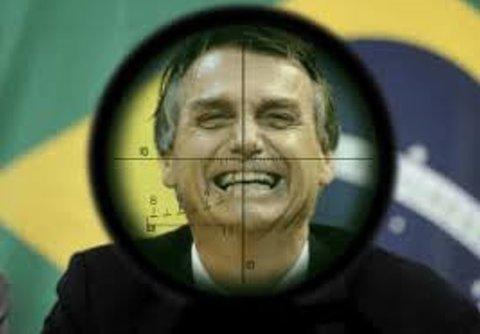 UM ALVO CHAMADO BOLSONARO - Por Ana Clara Machado