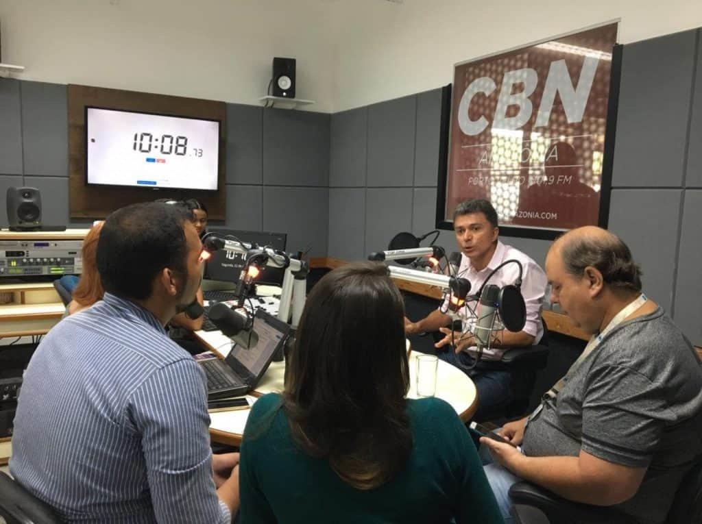 O candidato Expedito Junior (camisa clara) falou o que muita gente pensa e não expressa (Foto CBN Porto Velho/Facebook) - Gente de Opinião