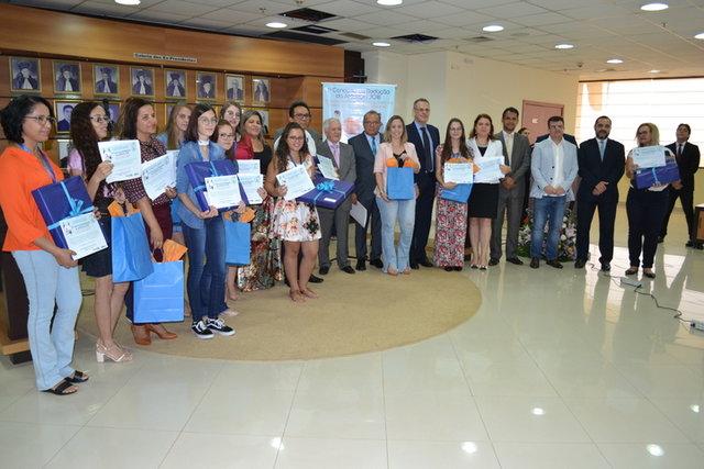 I Concurso de Redação 2018 - Ameron entrega os prêmios aos vencedores - Gente de Opinião