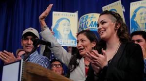 Oito candidatos eleitos, a maioria deles mulheres democratas, fazem história nas legislativas deste ano - Gente de Opinião