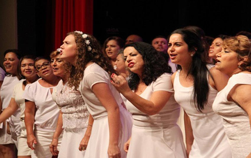 CANTANDO AMORES - Vozes do Madeira e Canto Livre  se apresentam em Ji Paraná