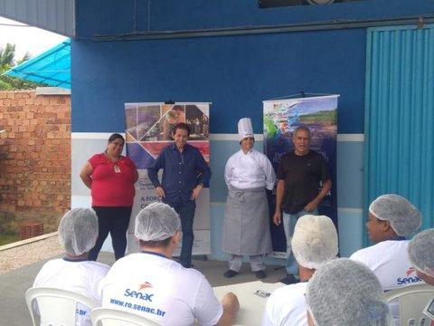 De olho no turismo, Prefeitura investe em formação dos cozinheiros nos polos com potencial para pesca esportiva da capital