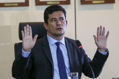 Sergio Moro escolhe delegados da Lava Jato para PF e departamento do MJ