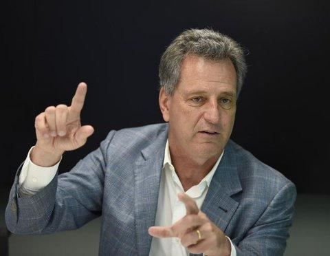 Flamengo - Landim presidente, homem do petróleo chega ao poder e aposta em cobrança.
