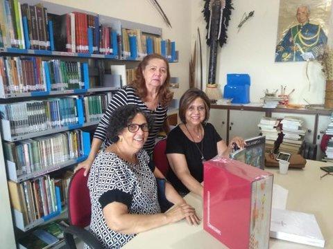 Família de Leonilson Dias doa Catálogo Raisonne para biblioteca